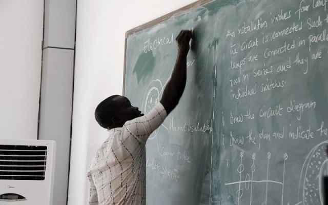 Over 400 teachers grabbed with fake certificates