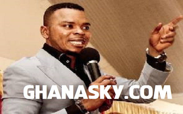 [Video] Bishop Daniel Obinim Changed To Snake and Dog