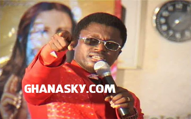 [VIDEO] Ebenezer Opambour Fights Obinim's Snake Metamorphoses