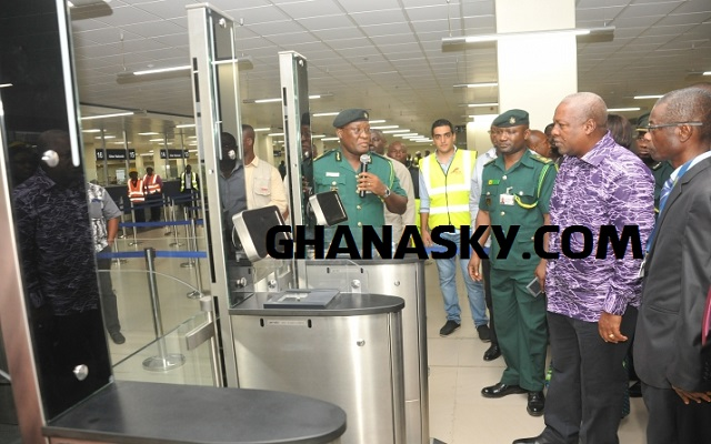 Mahama commends GIS for deporting 3 SA ex-cops