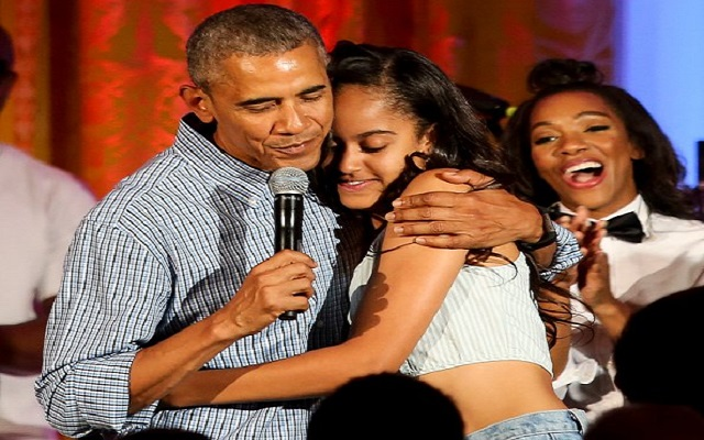 [Video] Obama sings Happy Birthday to daughter Malia