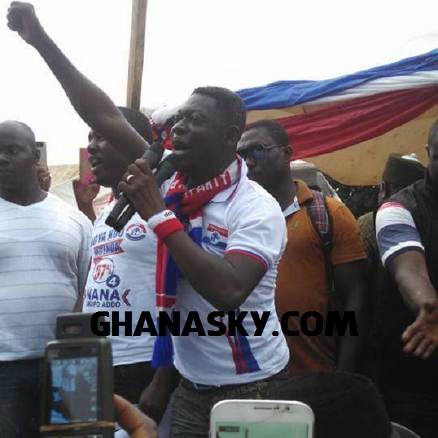 Agya Koo pulls more crowd than Mahama & Amissah Arthur [Video]