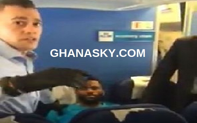 KLM Flight & Dutch Police officers Stopped By Nigerians [Video]
